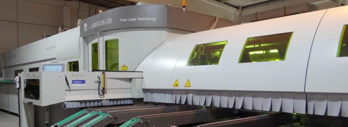 Profilový-3D-laser-při-výrobě-hliníkových-zábradlí-a-zasklení